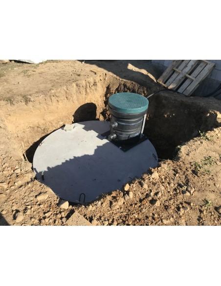 Cuve béton 10000 litres dans le trou et son préfiltre 5 microns